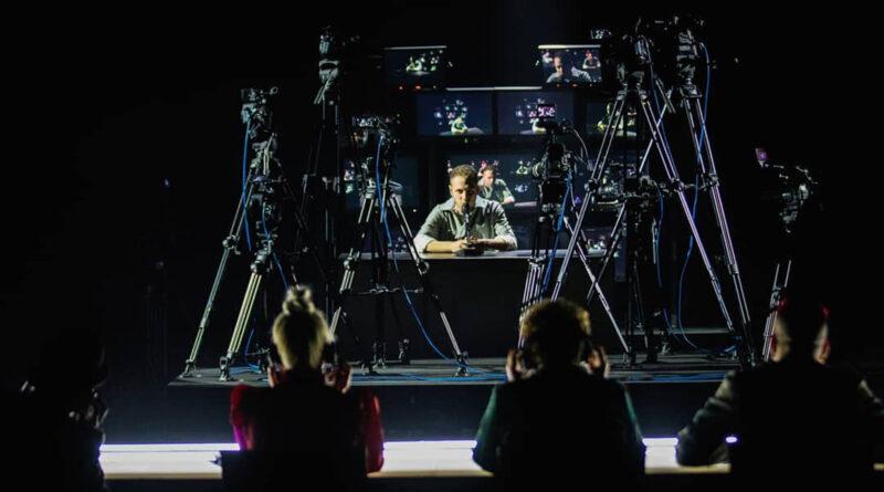 Immagine: Anastasio ad X-Factor fa il cantautore
