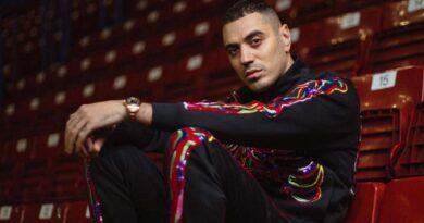 Immagine: Persona di Marracash disco rap dell'anno