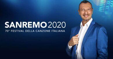Immagine: Amadeus presenta i cantanti di Sanremo 2020