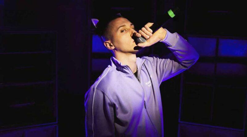 Immagine: Massimo Pericolo ai tempi delle sue prime canzoni